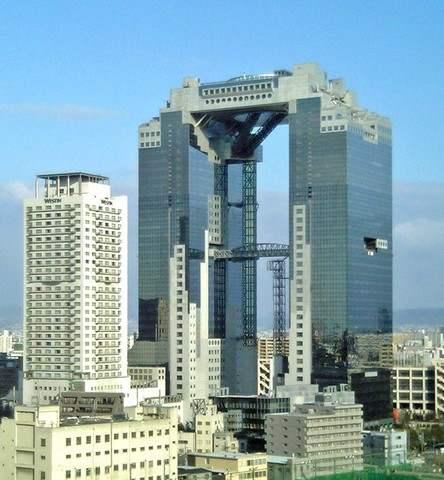 空中庭園がある、梅田スカイビル