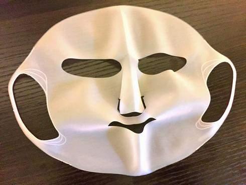 シリコン潤マスク、パック効果を高めてくれる便利コスメ