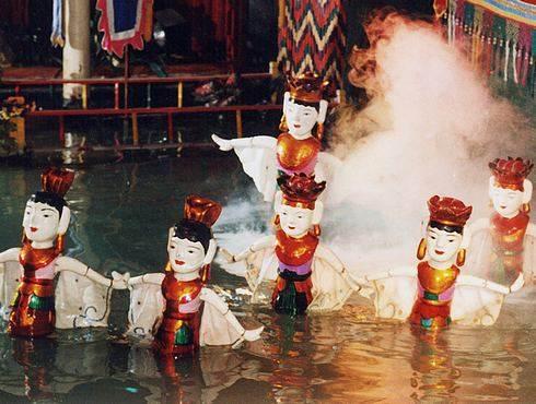 横浜でベトナムフェスタ 水上人形劇も