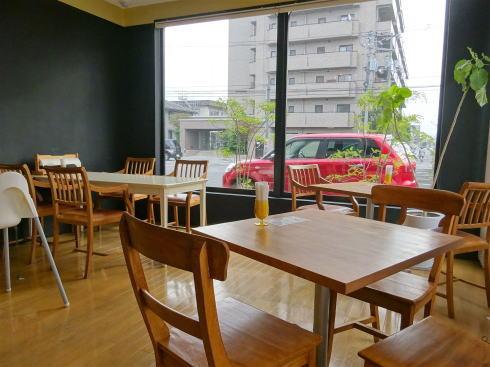 鳥取県米子市のパン屋 リアン イートインコーナー2