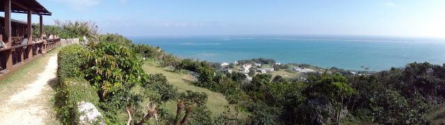 沖縄 カフェくるくま から見渡す海