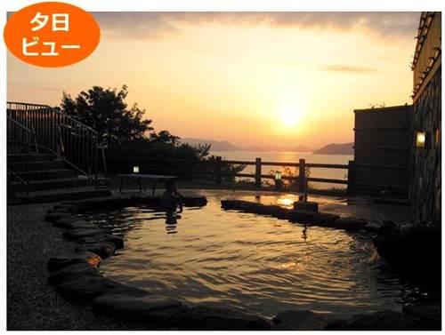 絶景露天風呂、天草・夕陽ビュー「御立岬温泉センター」