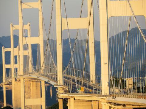糸山公園から見る来島海峡大橋(ズーム)2