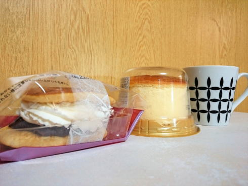 セブンイレブン チーズスフレケーキ、どら焼き