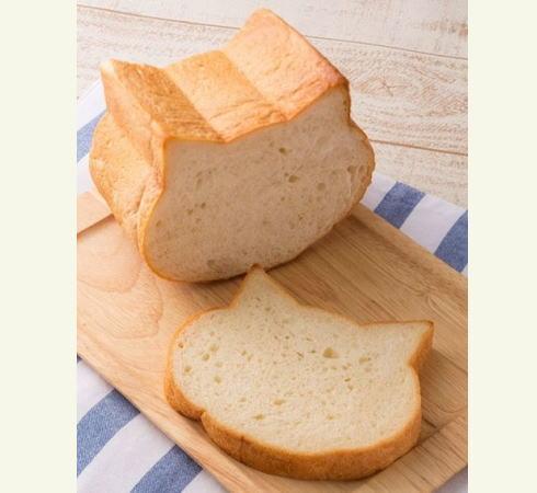 もっちり いろねこ食パン(ねこ型食パン)大阪新阪急ホテルで発売