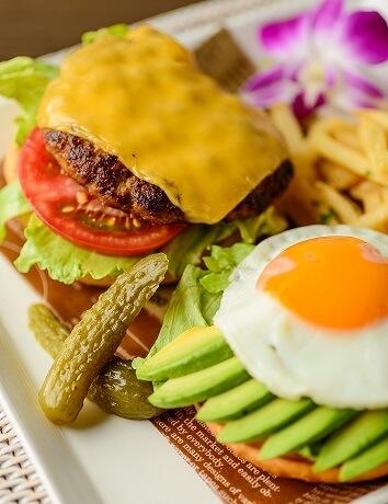 ウイラニのモーニングメニュー、ハンバーガー