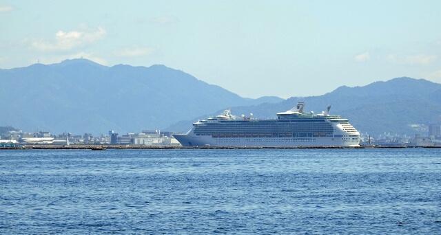マリナーオブザシーズ、広島にゆっくりと入ってきました