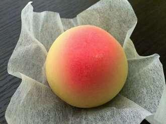 銘菓 岡山のもも、桃の箱型パッケージが可愛い 岡山土産