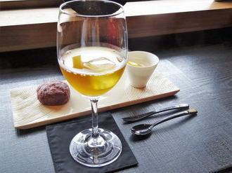 周防大島 お寺カフェ、境内の心静まる和の空間でお茶タイム