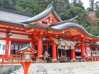 太鼓谷稲成神社は、津和野のパワースポット!千本鳥居が連なる階段も