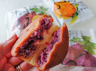 那覇空港でチェック!沖縄の人気土産「おもろ」紅芋ケーキはしっとり和洋菓子