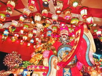 長崎ランタンフェスティバル、幻想的な光で100万人を酔わせる鮮やかな提灯の世界