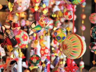 柳川「さげもん」艶やかに祝う雛祭り、町をめぐって楽しむ!