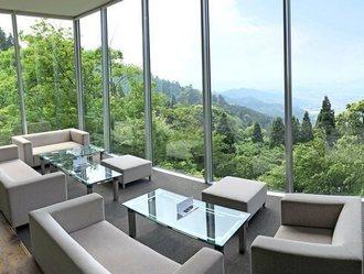 福岡絶景カフェ!茶房わらび野、パノラマの景色広がる贅沢空間