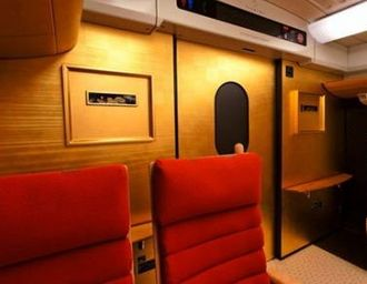 金箔がまぶしい!九州新幹線800系 さくら・つばめで、旅をゴージャスに