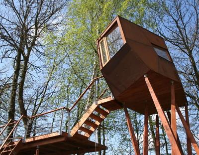 木の上の家5