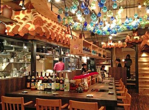 沖縄とんかつ食堂 しまぶた屋、店内の様子