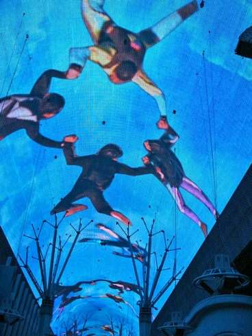 フリーモントストリートの天井ショー