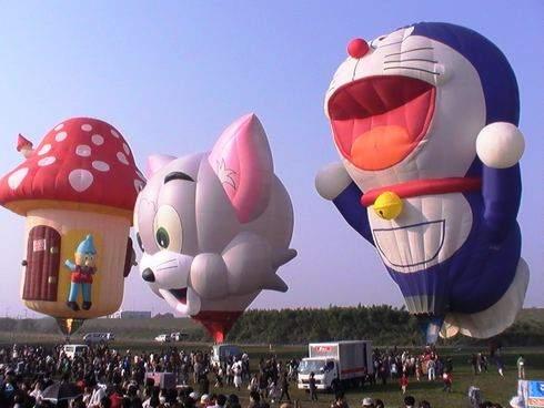 バルーンファンタジア、キャラクターの気球が集合 ドラえもん