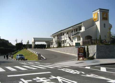 高速道路 SA内にホテルもある