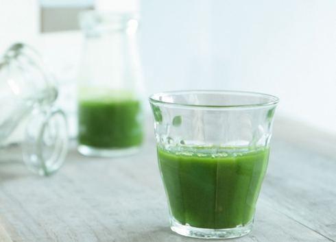 ニンニクの臭いを消す、緑茶