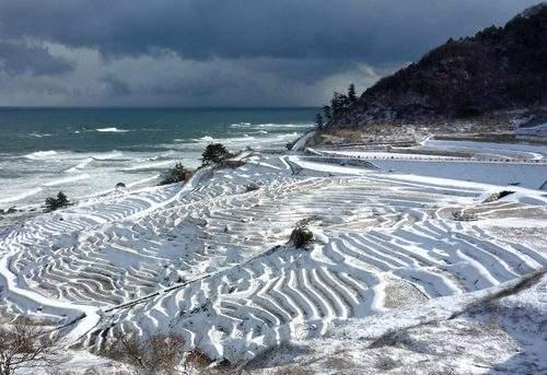冬の輪島白米千枚田の風景