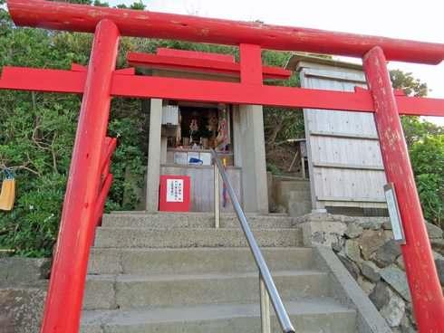 元乃隅稲成神社の祠