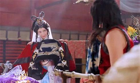 au 菜々緒乙姫が、金太郎を落とし始める
