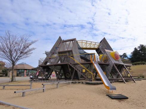 鳥取砂丘こどもの国 大型木製遊具
