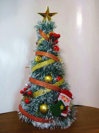 100円均一でクリスマスツリーのオーナメント 画像2