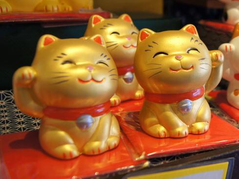 招き猫 金色は金運アップ