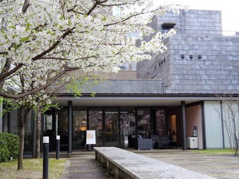 岡山 旧日銀岡山支店のルネスホール 中庭の様子