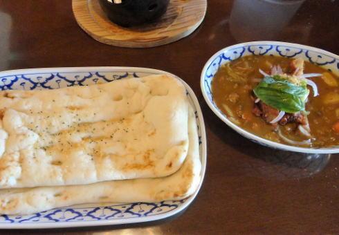 沖縄 カフェくるくまのカレー