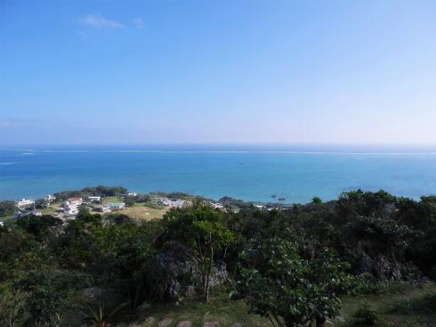 沖縄 カフェくるくま から見渡す海3