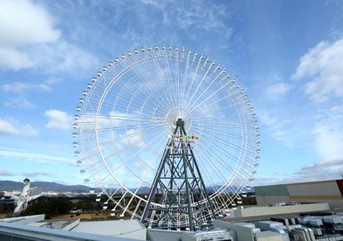日本一の大観覧車・レッドホース オオサカ ホイール