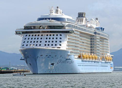 豪華客船 クァンタムオブザシーズへ潜入!船内見学で驚く巨大エンタメ・リゾート施設