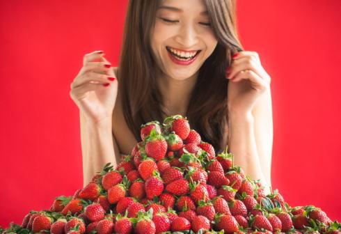 2017新春に苺スイーツブッフェ「ストロベリーマニア」開催、ハイアットリージェンシー大阪で