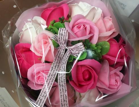 シャボンフラワーの花束、価格も手ごろ