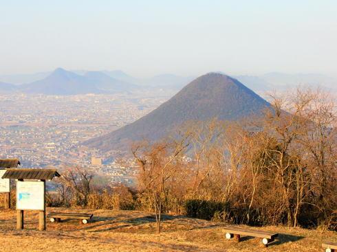 香川 城山展望台から眺める飯野山