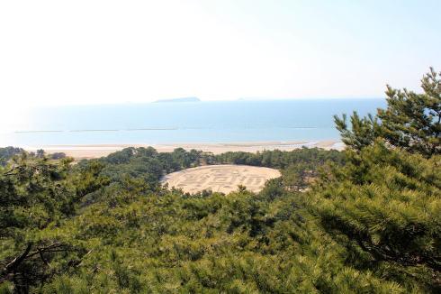 香川・銭形砂絵 展望台から見た様子