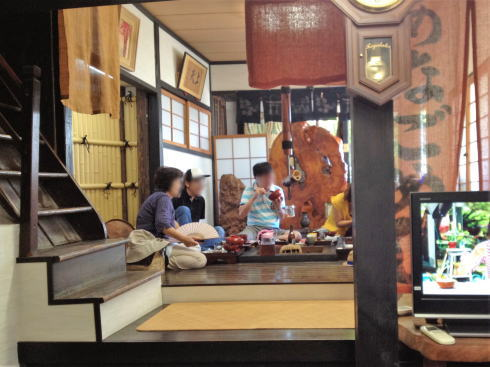 宮島 あなごめし和田 店内の写真2