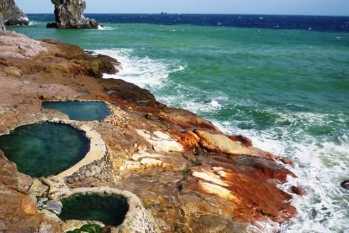 硫黄島の東温泉