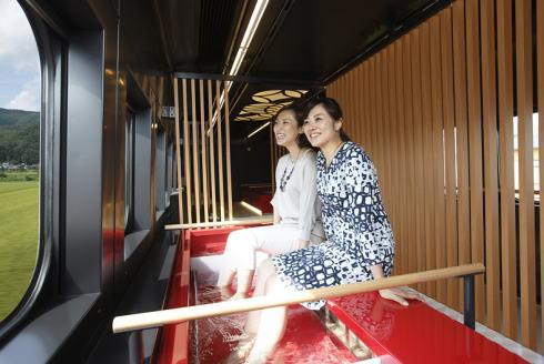 山形新幹線「とれいゆ つばさ」 車内の様子