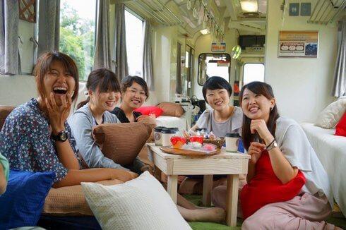 おくいづも女子旅列車