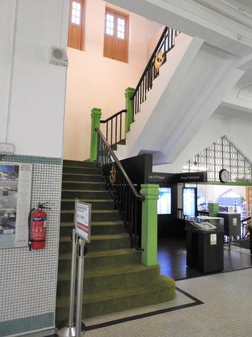 サルタンモスク(シンガポール)2階への階段