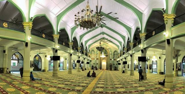 サルタンモスク(シンガポール)館内の様子パノラマ