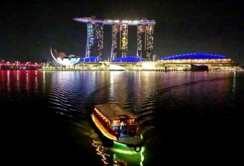 シンガポールの遊覧船