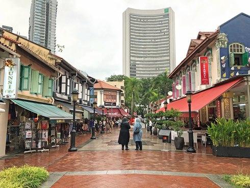 シンガポールのアラブストリート 雑貨店などが並ぶ