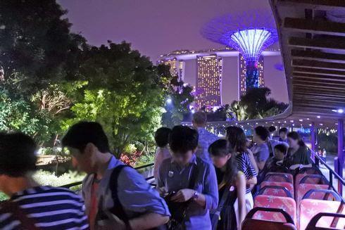 シンガポール夜景バスツアー、立ち寄り観光も