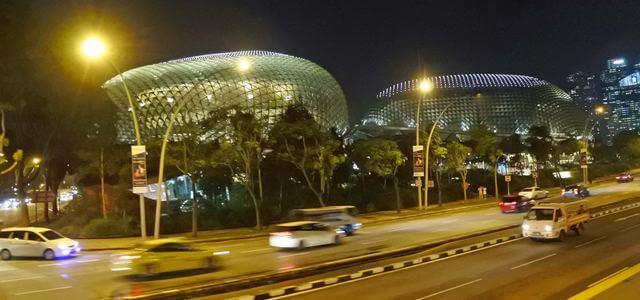 シンガポール夜景バスツアー、観光地をめぐる